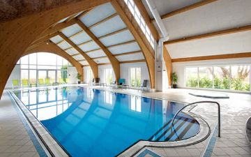 hoteles globales post & wellness indoor swimming pool