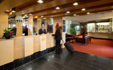 hoteles globales post & wellness rezeption