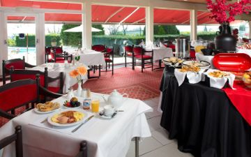 hoteles globales post & wellness restaurant breakfast