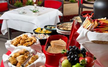 hoteles globales post & wellness restaurant breakfast buffet